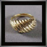 14K Swirled Gold Ring Size 7 1/8