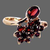 14K YG Red Garnet Ring Size 7