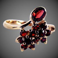 14K YG Red Garnet Ring Size 7