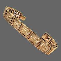 26 Grams, 14K YG Floral Filigree Panel Bracelet