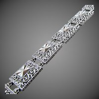 "7.6 Grams, 10K WG Filigree Panel Link Bracelet, 7 7/16"" Closed"