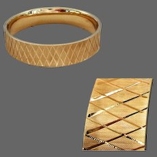 21 Grams, 14K YG Hinged Bangle with Lattice Design
