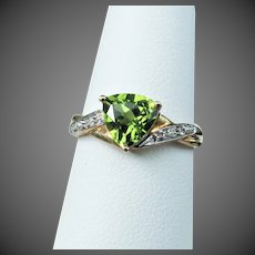 10K YG Peridot & Diamond Ring Size 7 1/4