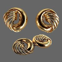 9.6 Grams, 18K YG Italian Earrings with Feathered Ribs Design