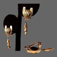 4.9 Grams, 14K YG Dangle Nouveau Style Earrings