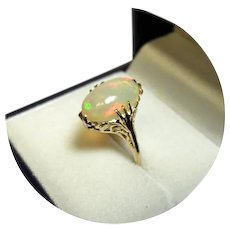 14k Ring - Welo Fiery OPAL - Vibrant, Colorful - Vintage - 14k Yellow Gold Mtg.