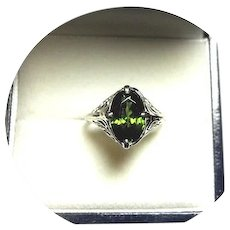 14k Ring - Lovely Natural Green Zircon - Vintage Art Deco - White Gold Filigree Mtg.