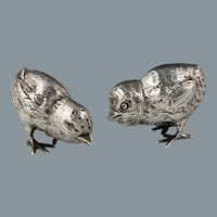 Circa 1906 English Sterling Chick Pepperettes Hallmarked for William Edward Hurcomb London