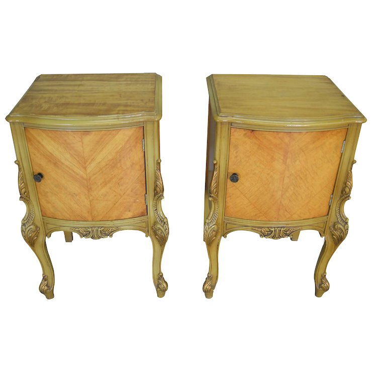Pair of Satinwood French Victorian Carved Nightstands - Pair Of Satinwood French Victorian Carved Nightstands : Maine