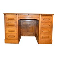 Oak Raised Panel Flat Top Lawyers Desk