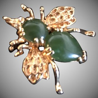 Vintage  Jade Bee Pin Brooch and Pendant Gold Tone Metal