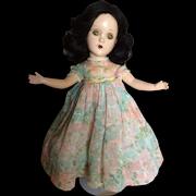 "14"" Composition Scarlett in Original Floral Dress"