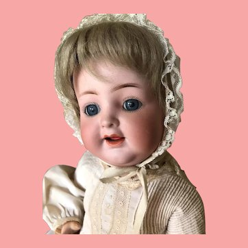 Adorable Cabinet Size Kammer & Reinhardt 126 Character Baby