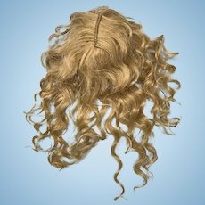 """Honey blonde mohair doll wig 9"""" circumference"""