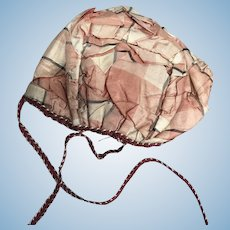 Silk pink plaid bonnet