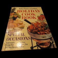 """Better Homes & Gardens Holiday Cookbook 1959"