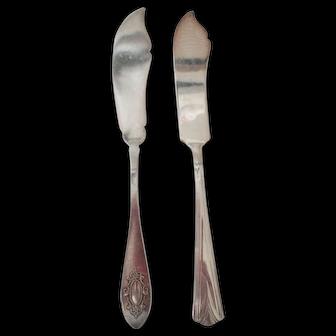 Two Vintage Butter Knives Solver Plate-Williams & Vanite
