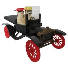 Vintage Model T with Man and Lady Salt and Pepper Shakers