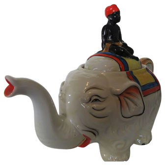 Lucky Elephant Teapot Made in Japan Man on Lid 1940s