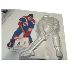 Hockey Player Wilton Cake Mold 1998 with Icing Directions