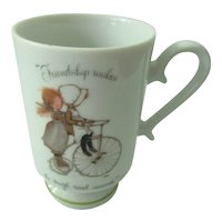 "Holly Hobbie Mug "" Friendship Makes AZ Rough Road Smooth"""