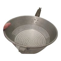 Wear-Ever Aluminum U.S.A. Strainer Colander