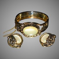 Vintage Hinged Cuff Bracelet/Earrings with Creamy Custard Centers