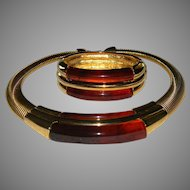 Vintage Napier Designer Signed Marbled Amber Lucite Collar Necklace With Omega Style Chain and Matching Cuff Bracelet