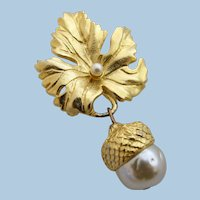 Vintage Prevost Gold Tone Leaf and Acorn Brooch