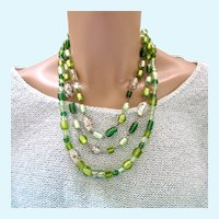 Vintage Green Foil Art Glass Great and Silver Bead Necklace
