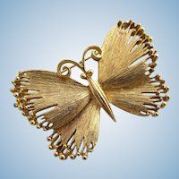 Vintage Solid Gold Tone Unsigned Lisner Butterfly Brooch