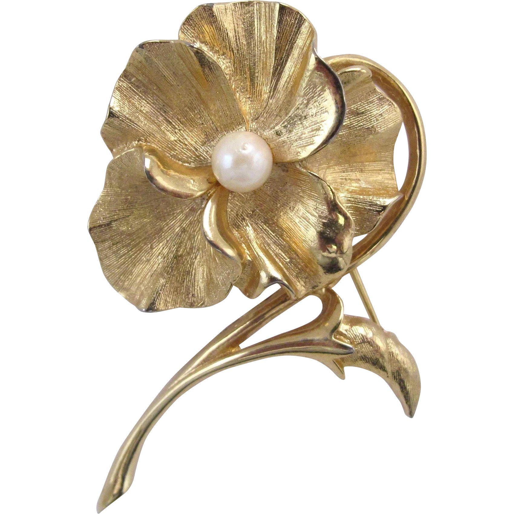 bc8b5b8f4 Vintage Boucher Gold Tone Pearl Pansy Pin 8376P : 2Hearts Jewelry &  Accessories | Ruby Lane