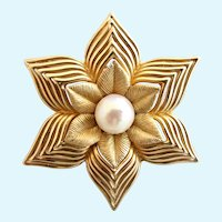 Vintage Boucher Gold Plated Flower / Star Brooch with Genuine Pearl