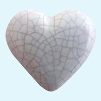 Vintage Ruby Z Ceramic Marbled Gray Heart Pin