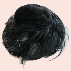 Vintage Suzy Lee of California Black Velour Feather Hat