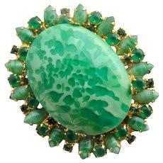 Vintage DeLizza & Elster (D & E, Juliana) Faux Jade Oval Pin / Pendant