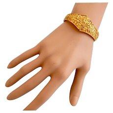 Vintage Trifari Gold Tone Fleck Clamper Bracelet