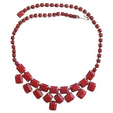 Vintage Weiss Opaque Red Rhinestone Choker Necklace