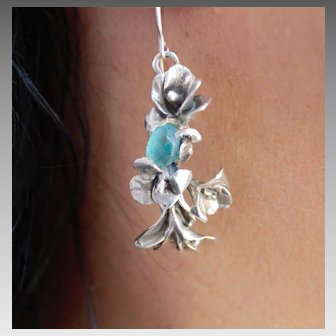 Earrings Sterling Silver Lilies Rough Blue Apatite  Earrings