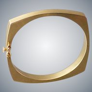 Modernist 14k Yellow Gold Hinged Squared Oval Bangle Bracelet