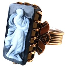 Antique Victorian 10k Gold Hardstone Agate Cameo Ring Carved Full Figure Woman with Harp