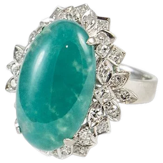 Vintage 18 kt White Gold Diamond and Chalcedony Ring