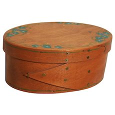 """Small Shaker Wood box  Two fingers  Toll Painted lid  5 X 4 x 2-1/4 """""""