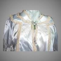 Vintage Ladies Bed Jacket Pink with Lace Trim and Two Blue Ribbon Close the Front