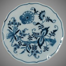 """Blue Onion Porcelain  Trivet  Blue Danube  Marked in Blue Reg U.S. Pat Off. 6"""" across"""