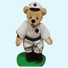 "World of Miniature Bears Baseball Player Slugger w Case only 2 1/2"" Tall!"