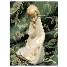 Lladro Guardian Angel Sleeping Baby #4635 Angel with Baby