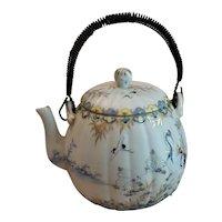 Antique Japanese 1920 hand painted Porcelain Tea Pot w/cranes and Daisies