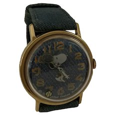 Vintage Original Vintage Snoopy Playing Tennis Mechanical Watch wind up 1958 American Syndicate Peanuts