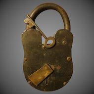 Vintage Large 11 inch heavy Iron Padlock w/key